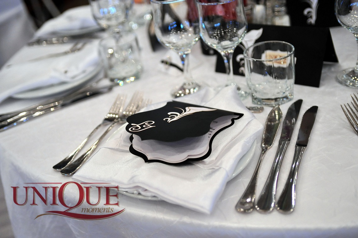 Motel Bucium invitatie nunta, carduri si meniu alb negru